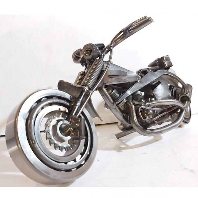 Sochy z kovu motorky