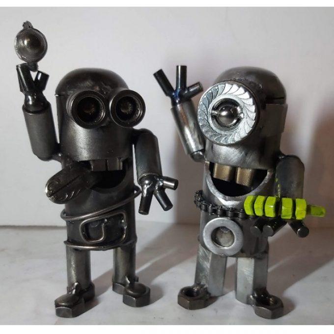 Sochy z kovu dětské postavičky